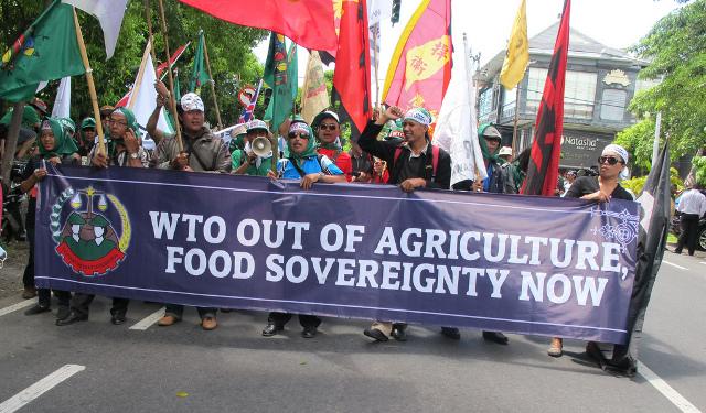 18 ans d'OMC, ça suffit! Le libre-échange bénéficie aux multinationales et aggrave la pauvreté !